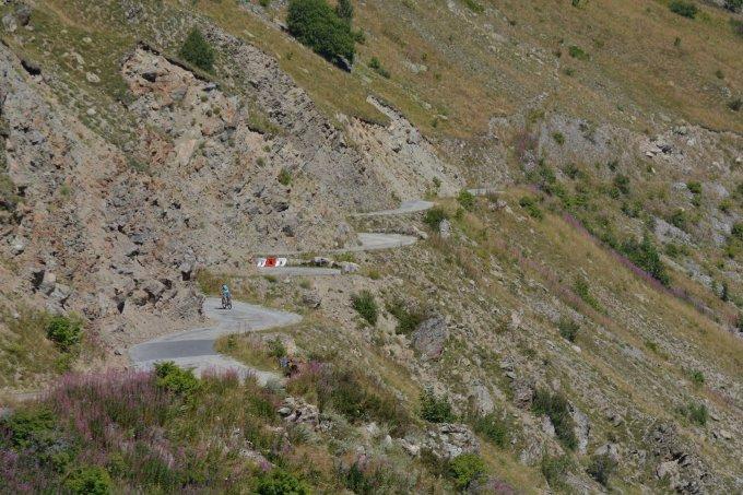 La montée du col de Sarenne, la sauvage
