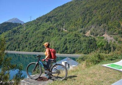 Le tour du lac du Verney en vélo électrique depuis Vaujany