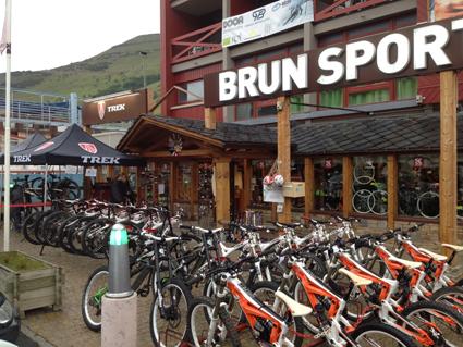 Brun Sports Ski Set – Vélostation (1)