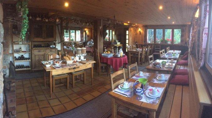 restaurant la forêt de Maronne intérieur